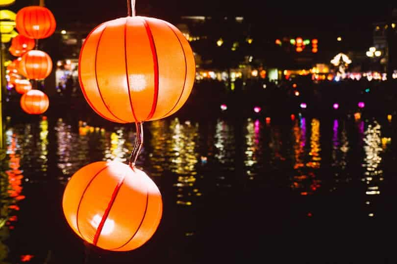 Купить фонари в Хойане.